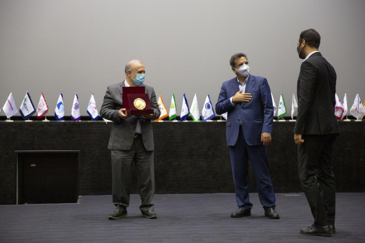 تقدیر از ۱۶ استارتاپ در اختتامیه اولین دوره جایزه استارتاپی استاد محمدکریم فضلی