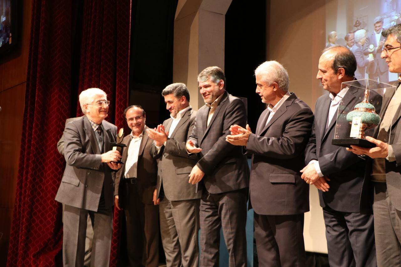 اولین بزرگداشت اساتید نامدار حسابداری ایران، با حمایت گروه صنعتی گلرنگ برگزار شد