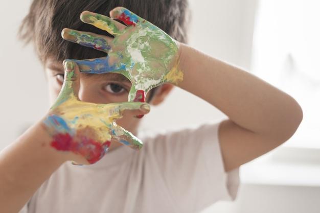 اعلام برندگان مسابقه بزرگ نقاشی گلرنگ با موضوع تقدیر از قهرمانان سلامت کشور