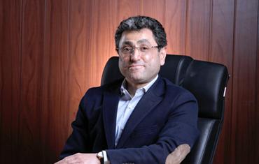 دکتر مهدي فضلي؛ مديرعامل گروه صنعتي گلرنگ